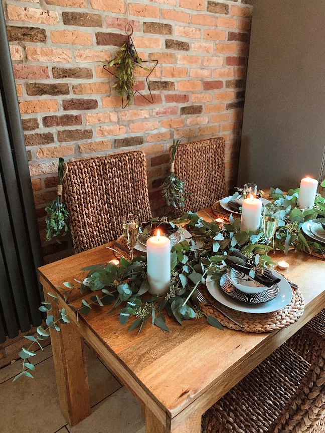 Read more about the article Comment coiffer votre table à Noël avec My Inspired Haus